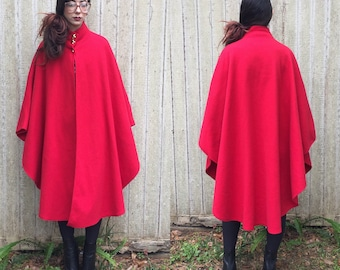 Vintage red cape osfa soft gold buttons