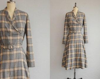 Vintage 1940s Dress / 40s Grey Wool Plaid Day Dress / Windowplane Plaid Circle Skirt Dress