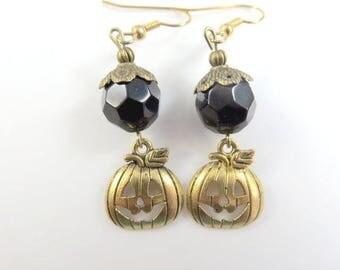 Black pumpkin earrings