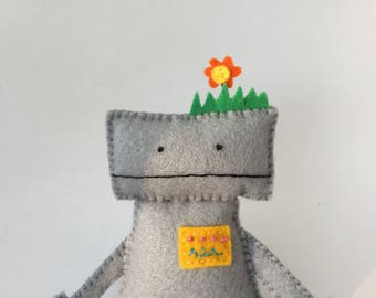 Little Robot - Handmade felt plush toy decoration