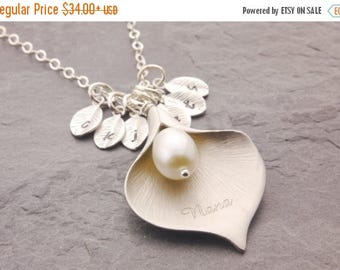 SALE: Calla Lily Necklace, engraved calla lily, grandma necklace, gift for grandma, mom necklace, nana necklace, family necklace, flower, N6