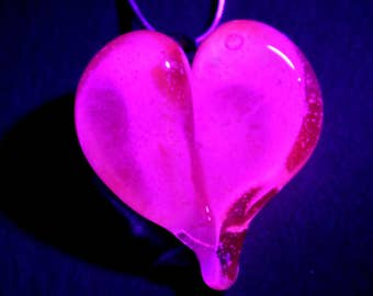 UV Glow Pink Gold Heart Necklace, Black Light Reactive Lampwork Pendant, Flamework Glass, Blown Boro Jewelry, Charm Silver Chain SRA