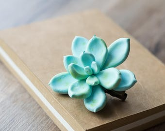 Succulent hair clip - succulent wedding gift - succulent headpiece - tropical hair clip - botanical accessory - nature wedding