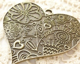 Giant Heart Flower Pendant, Antiqued Bronze (1)