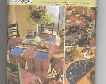 UNCUT Sewing Pattern Simplicity 8350 for Table Accessories