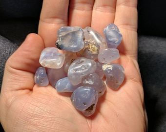 Tumbled Holly Blue Agate Pick4U - Small