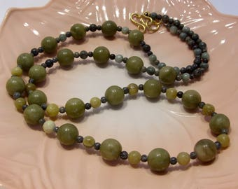 Green Natural Stone Necklace 31 Inches