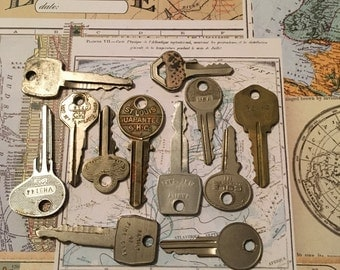Vintage keys / 12 Vintage Destash Chrome Steampunk Keys for Altered Art, Mixed Media, etc. #105