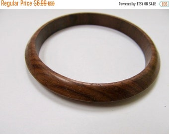 On Sale Vintage Wooden Bangle Bracelet Item K # 552