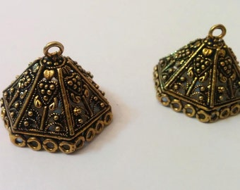 bronze  large jhumkas or Indian hanging earring bases x 2, 29mm, free combined shipping