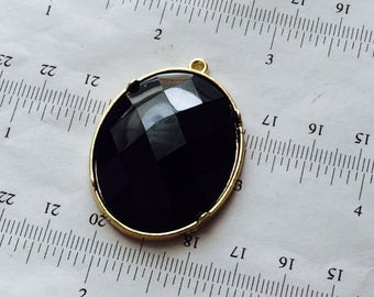 1pcs-40x30mm black faceted, one loop oval pendant, Czech glass golden settings, focal point necklace