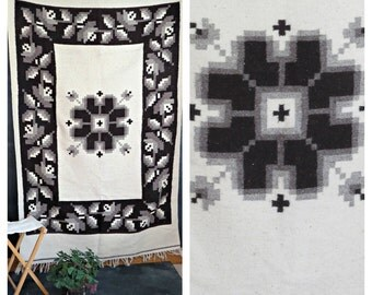 "70's Mexican rug. Wool Peruvian Rug. Southwestern Rug.  White Large Naturals 4 x 6.5  (48"" x 78"") 