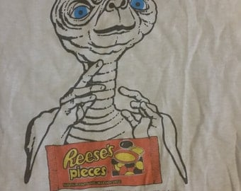 Vintage 1982 Paper Thin E.T The Extra Terrestrial Reese's Pieces Hershey's T-shirt Sz-M
