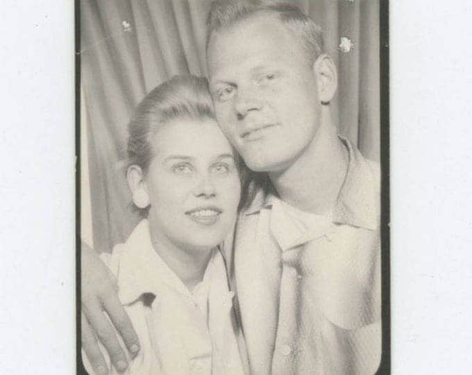 Vintage PhotoBooth Arcade Photo, c1950s-60s: Young Couple (75578)