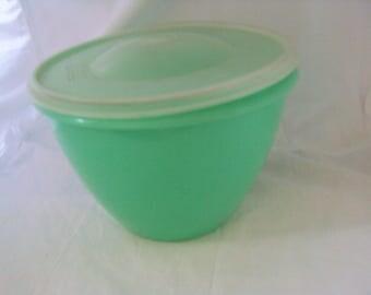 """Tupperware Lettuce """"Crisp-it """"Keeper, c.1970's pastel green, 679-2 with lid 680-1"""