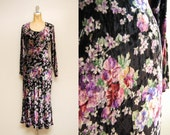 RESERVED: Vintage Floral Print Velvet Dress / Long Sleeve Midi Dress / Black Crushed Velvet Grunge Dress / Scoop Neckline