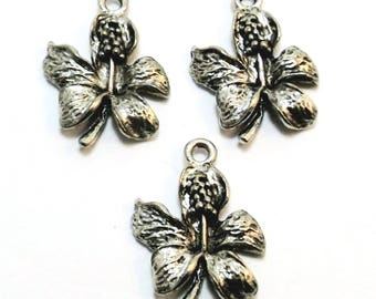 Three Pewter Hibiscus Flower Charms - Free Shipping in the US - 0952