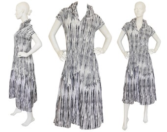 Issey Miyake 1990s Vintage Pleated Maxi Dress Avantgarde Japanese Design Graphic Print US Size 6-8 Small Medium