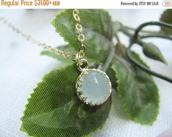 Mothers Day Sale - Jade necklace - Gold necklace - light green necklace - vintage necklace, Gold jade necklace - Gift for her