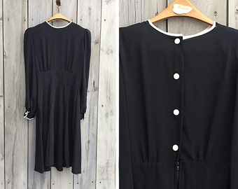 Vintage dress | Black fit-and-flare dress with white trim