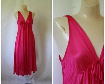 Sale Vintage Unforgettables Lingerie / Vintage Hot Pink NIghtgown / Vintage 70s Lingerie / 1970's Lingerie /  70s Fuchsia Pink Nightie S/M