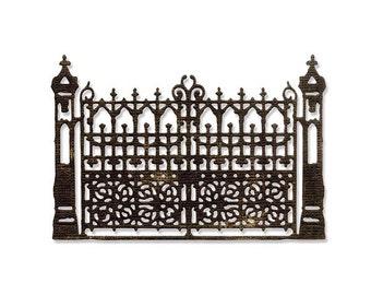 Sizzix - Tim Holtz Alterations - Thinlits Die - Gothic Gate