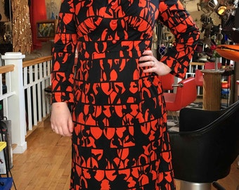 Retro Vintage Red/Orange and Black Knight Abstract Print Dress