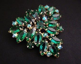 Vintage Juliana D&E Emerald Green Navette Rhinestone Statement Brooch