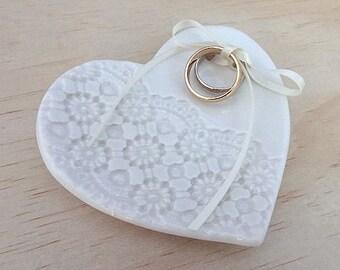 Ceramic ring holder. Heart shape ring dish with ribbon. Perfect for wedding ring pillow, wedding gift. White ring bearer dish