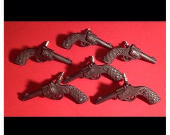 DRAWER PULLS Lot Of 6 hevy metal gun drawer pulls revolver gun pulls six shooters