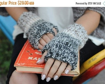 SALE Chunky knit fingerless mitts Knit fingerless mittens Knit fingerless gloves Knit wrist warmers Knit arm warmers Christmas gift for girl