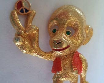 Vintage Signed JJ Goldtone Small Groovy Peace Monkey Brooch/Pin   Rare
