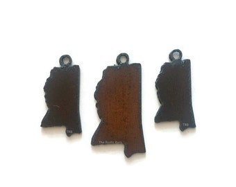MISSISSIPPI pendant charm cut out set made of Rustic Rusty Rusted Recycled Metal