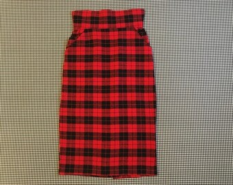 1980's, high waisted, pencil skirt, in black and red, wooly, plaid, Women's size Small/Medium