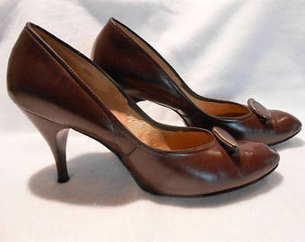 Highlights of Fashion Brand Burgundy Leather Stiletto Heeled Shoes Pumps, c. 1960