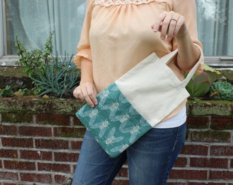 Linen and Cotton Market tote. Cicada Song in Mist