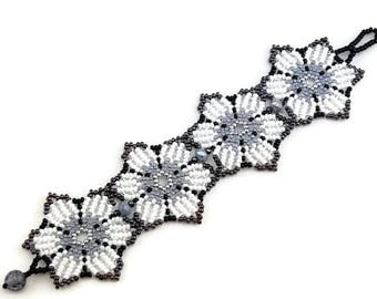 Huichol bracelet,Flower seed bead  bracelet