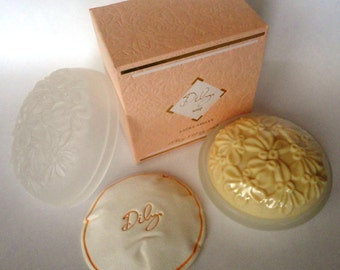 Vintage: Laura Ashley Dilys Soap 150ml, 5.25oz