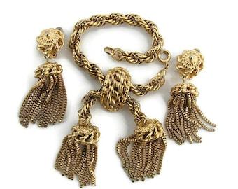 Elsa Schiaparelli Estate jewelry Collectible Schiaparelli Statement jewelry set Schiaparelli gold tassel chain bracelet Tassel chain earring
