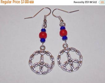 15%OFF Red and Blue Peace Sign Earrings
