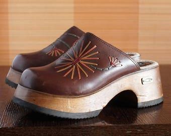 CANDIES hippie wooden platform clogs 70s boho 90's Club Kid wood clogs chunky clunky platform shoes