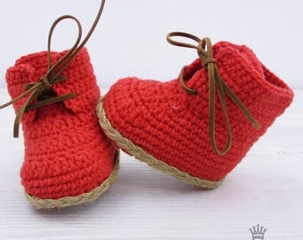 Red Crochet Baby Boots Crochet booties Boots for boy Baby shower gift Photo prop booties Crochet Shoes Santa Claus Boots Christmas Booties