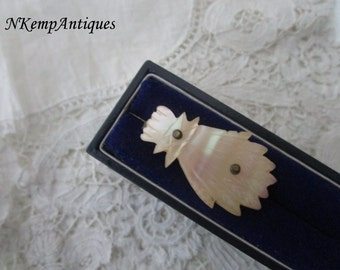 Antique brooch 1900 Mother of pearl