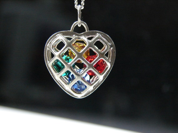 Mothers Locket with birthstone colored beads. Grandmother Locket, Birthstones necklace. Mothers necklace.