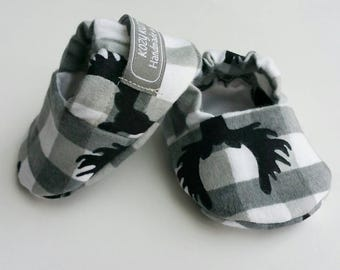 Buck Baby Booties, Baby Gift, Buck baby Moccs, Deer Baby Booties, Baby Shower, Buck Baby Shoes, Buck Baby Slippers, Buck Crib Shoes, Plaid