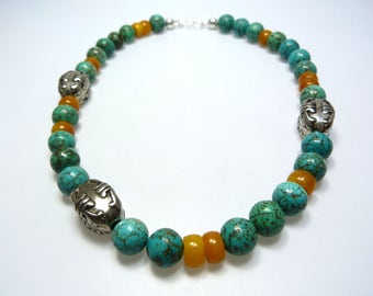 Turquoise necklace in Nepalese style