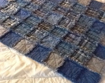 baby rag quilt in blues