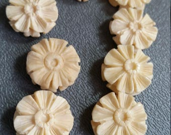 Carved Bone Flower Beads, 16-17mm disc shaped (8pcs)