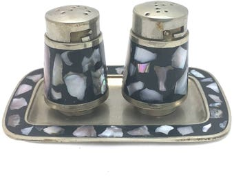Mother of Pearl Abalone Salt and Pepper Shakers on Little Tray, Mexico Abalone Shell Inlaid Table Setting, Twist on Lid S and P