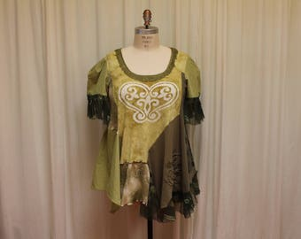 Green womens top Plus size tunic Romantic blouse Upcycled shirt loose fitting Boho chic top summer blouse Layered flowy shirt Shabby 2X-3X